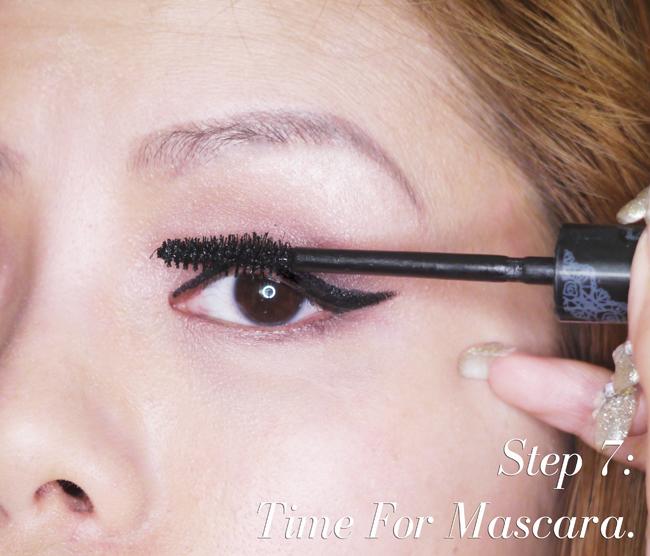 CrystalPhuong- natural makeup tutorial- apply mascara