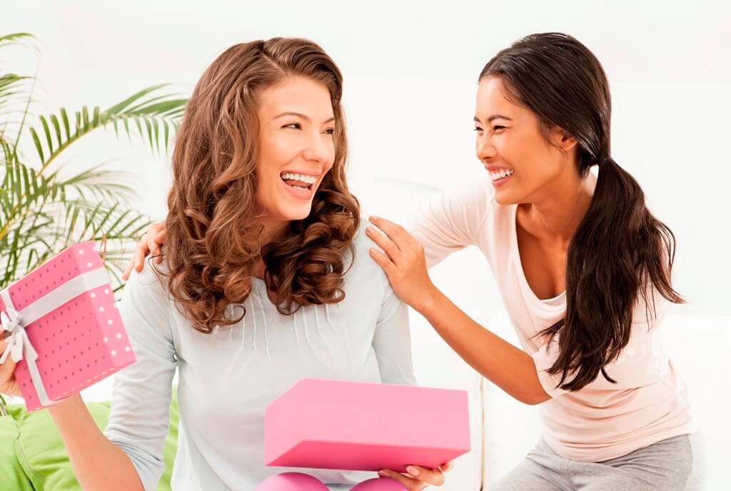 Christmas Beauty Gift Ideas for Women!