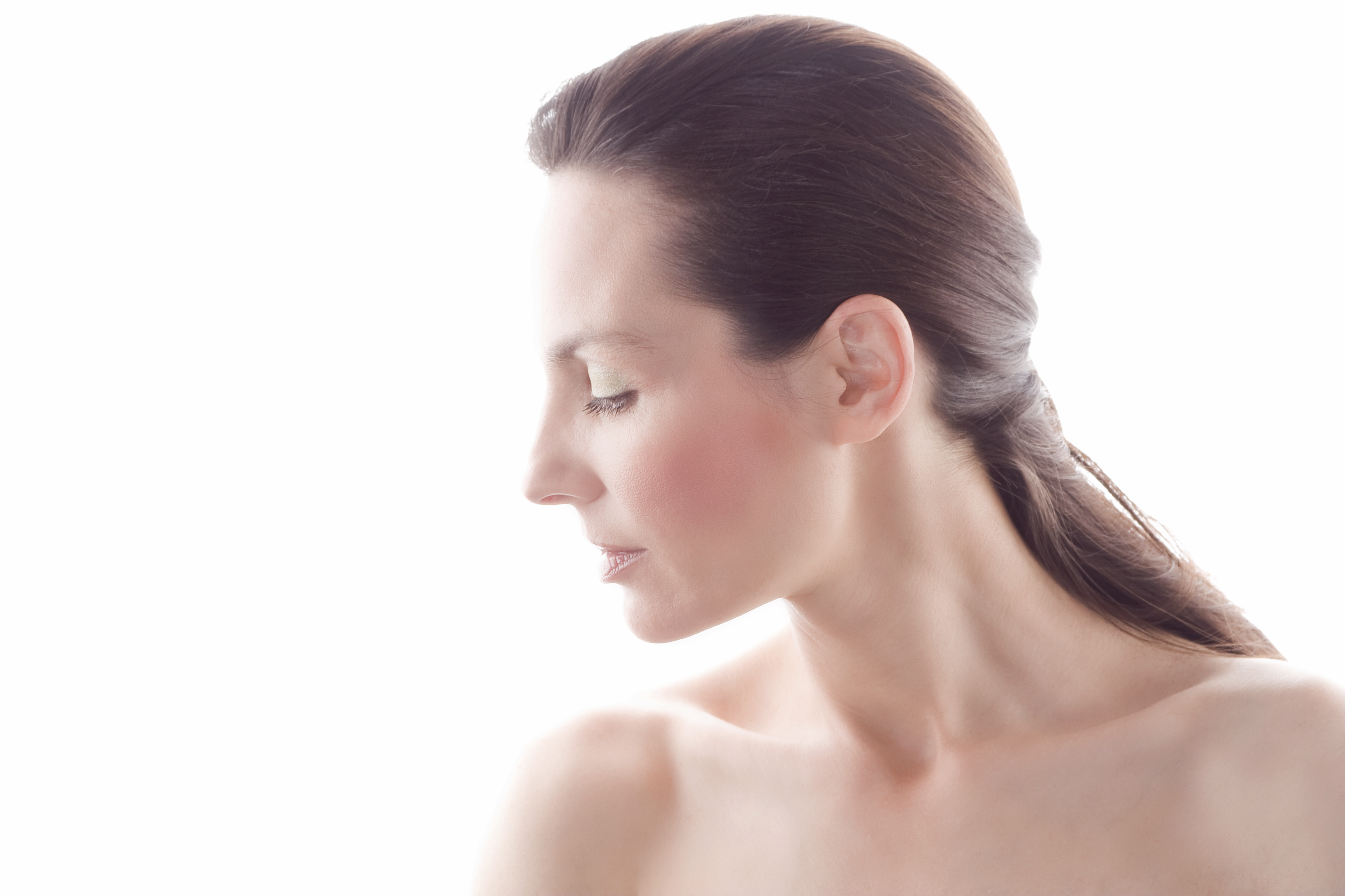Skip the Scarf: Non-Invasive Treatments for Sexier Neck