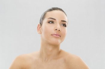 7 Tips to Prevent Aging on Your Neck & Chest