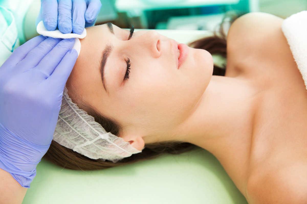 Nonsurgical Aesthetic Procedures in 2016