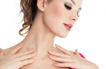 5 Ways to Lighten the Spots on Your Dcolletage