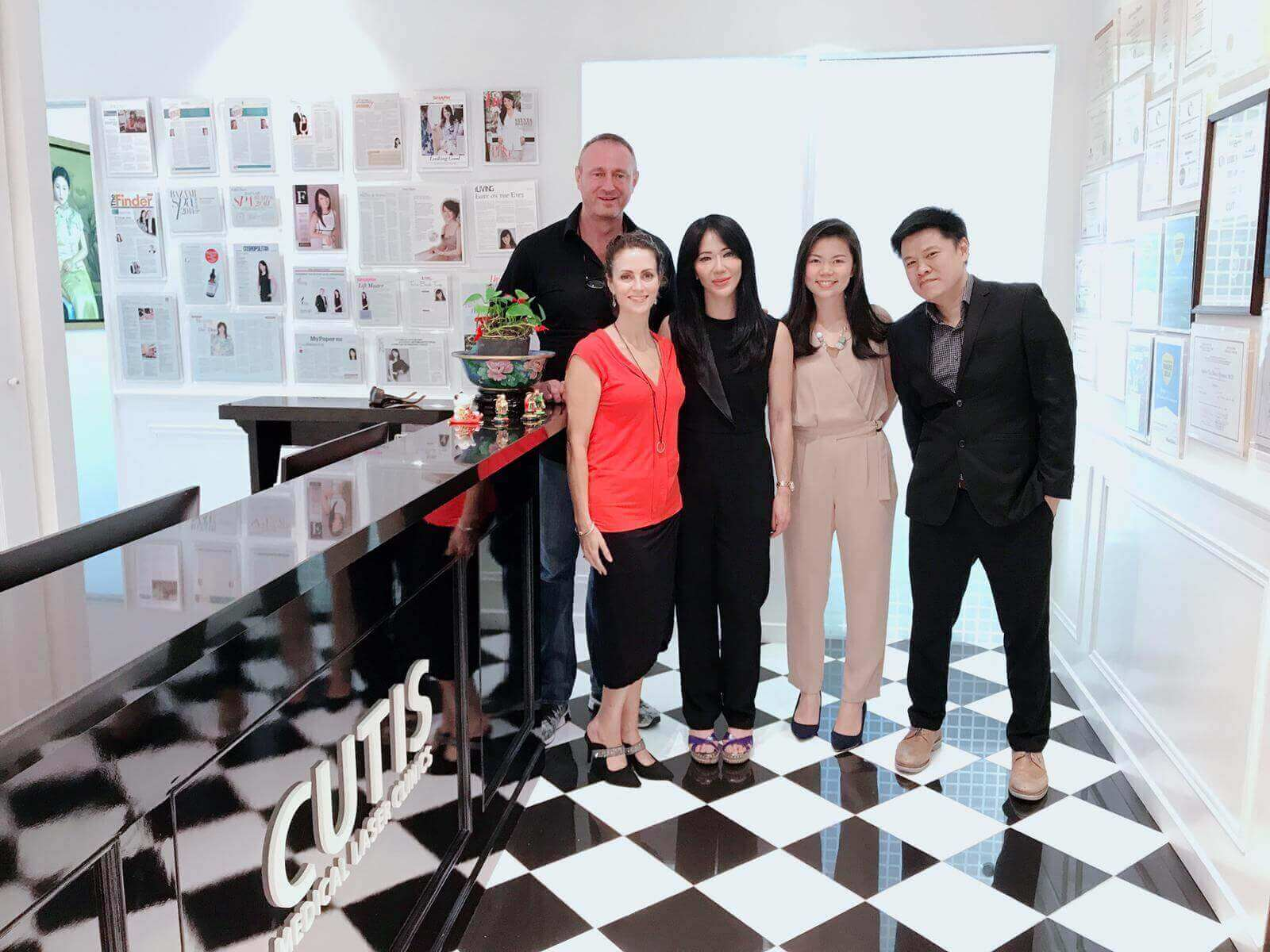 CoolSculpting-Traning-Centre-of-Excellence-Signing