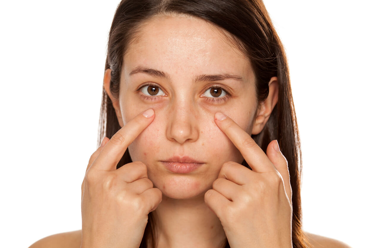 Skincare Habits That Can Age Your Eyes