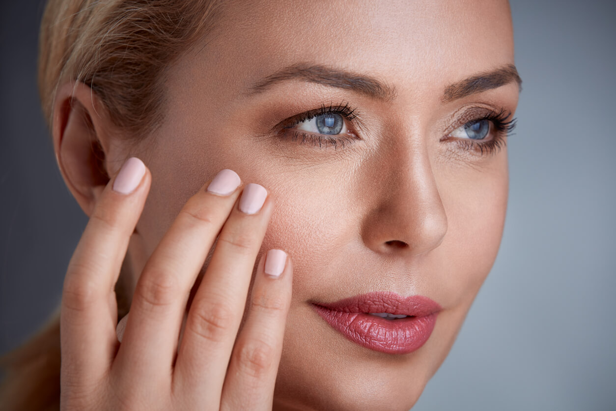 Moisturizing Aging Skin: 4 Things You Need to Know
