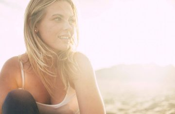 Does the Sun Really Help with Acne? Read on and Find out.