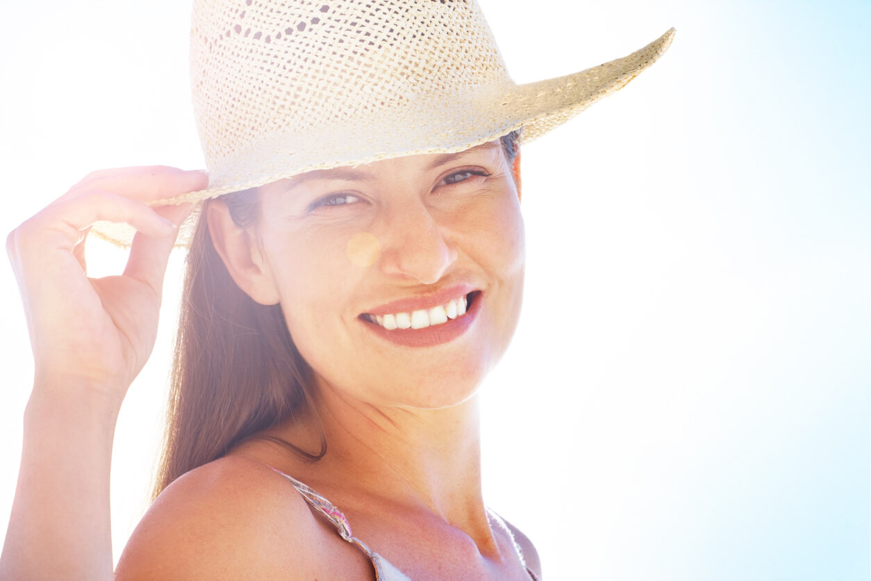How to Protect Oily and Acne-Prone Skin From the Sun